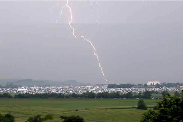 Bilder des Tages 04 06 2016 Mendig Rheinland Pfalz Auch am Samstag wieder Blitze bei Rock am R