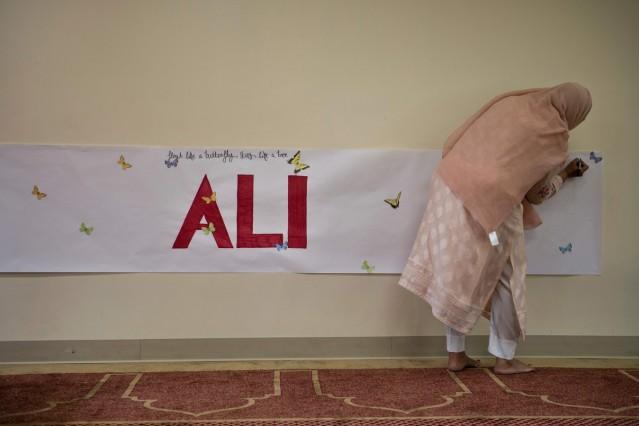 Interfaith Memorial Service Held For Muhammad Al