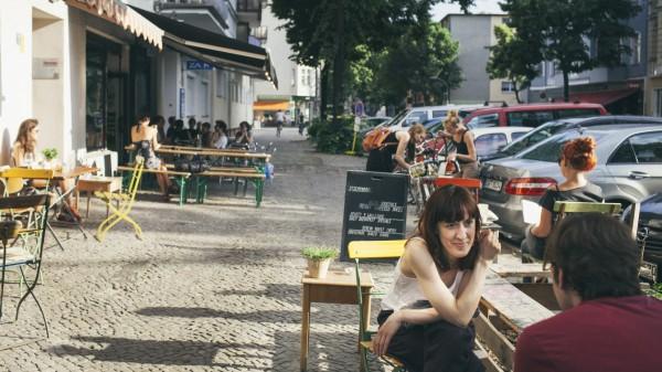 Friedelstrasse (abgedrucktes Motiv -- online ja, alle anderen kosten extra)
