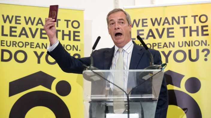 Nigel Farage And Liam Fox Speak At A Grassroots Out! Rally