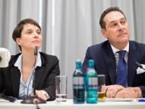Pk der AfD NRW zum Kongress 'Europäische Visionen'; Frauke Petry & Heinz-Christian Strache