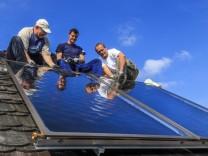 Thermische Solaranlagen DEU Brandenburg Cottbus Erneuerung von Flachkollektoren einer thermischen