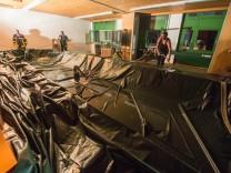 Schulgebäude nach Hagelschauer beschädigt