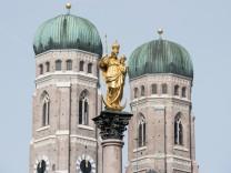 Mariensäule und Liebfrauendom in München, 2013