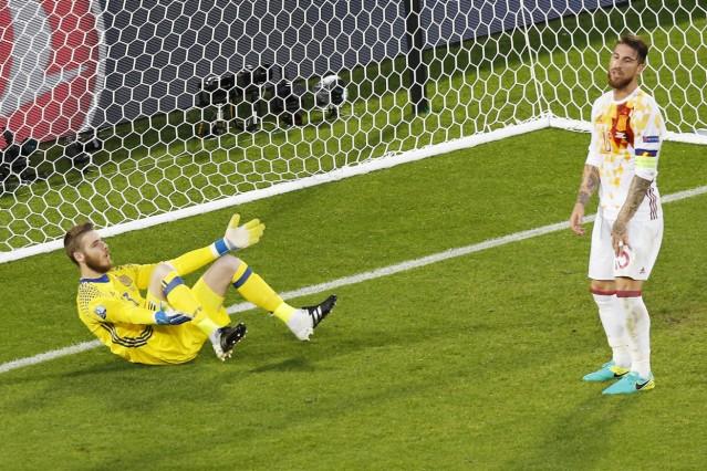 EURO 2016 - Group D Croatia vs Spain