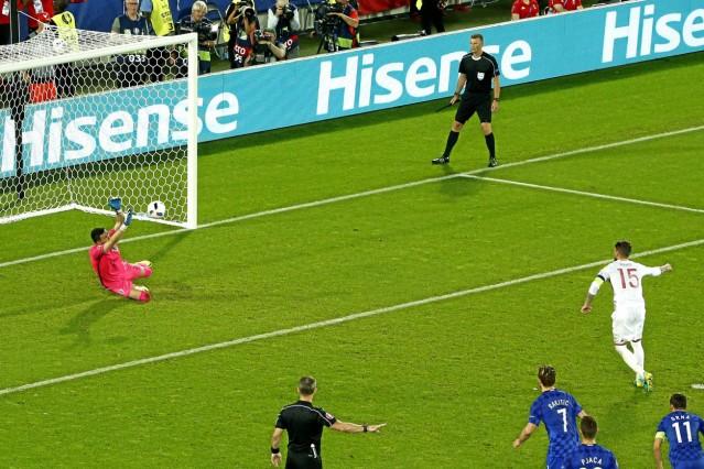 Partido de la Eurocopa del Grupo D entre Croacia y Espana En la imagen Sergio Ramos falla el penal