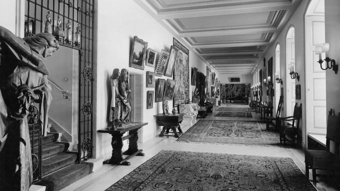 Gemälde und Antiquitäten aus dem Besitz von Hermann Göring in Carinhall. (Foto: Süddeutsche Zeitung Photo)