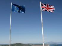 Flaggen von Großbritannien und Europa