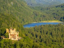 Germany Bavaria Allgaeu East Allgaeu Hohenschangau Neuschwanstein Castle Lake Forggensee in th