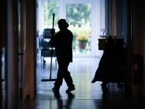Mehr Menschen stecken sich mit Krankenhauskeimen an