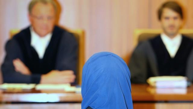 Muslimische Jurastudentin klagt wegen Kopftuch