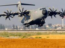 Weiter Feilschen um Militärtransporter A400M