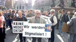 Republikaner-Demo auf dem Muenchner Marienplatz