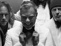 SZ-Magazin Modekolumne Metallica wirbt für Brioni