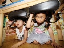 Anti-quake drill at kindergarten in Gwangju