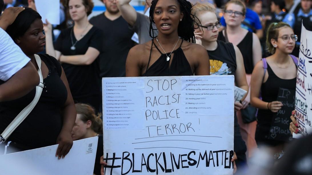 Schwarze Frauen Schüsse Mädchen macht quietscht