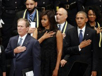 George W. Bush, Michelle Obama, Barack Obama