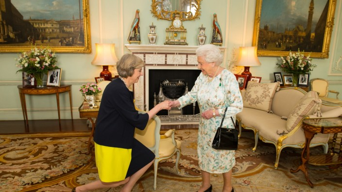 *** BESTPIX *** Theresa May Succeeds David Cameron As The UK's New Prime Minister