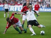 Fussball: Laenderspiel 2004, GER-HUN; Bastian Schweinsteiger - Fussball: Laenderspiel 2004, GER-HUN