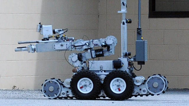 Bomb disposal robot used to end standoff with Dallas shooter