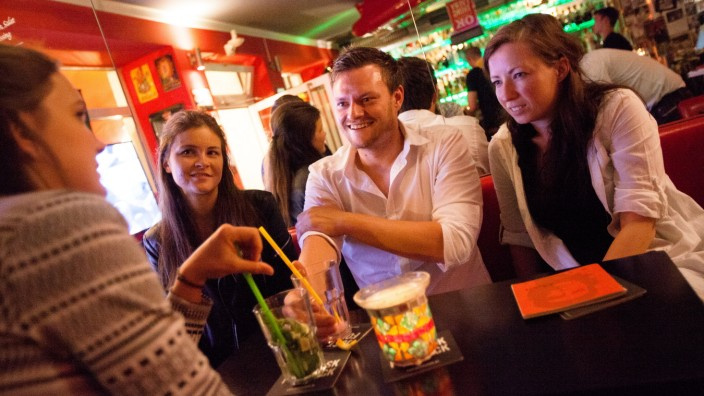 Bens Bar, Clemensstraße 7