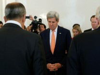 Russian Foreign Minister Lavrov meets with U.S. Secretary of State Kerry in Moscow