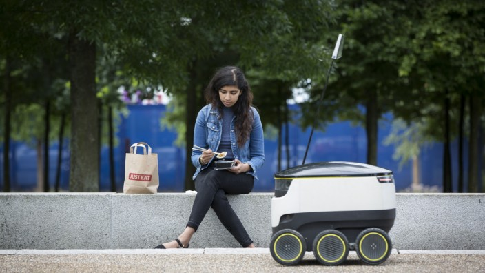 JUST EAT Pilots Robots To Deliver Food From Restaurants