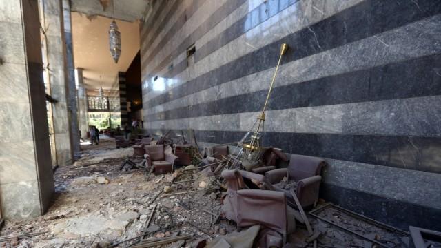 Zerstörungen im Parlament in Ankara
