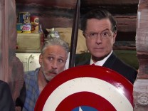 "Jon Stewart und Stephen Colbert in ""The Late Show with Stephen Colbert"""