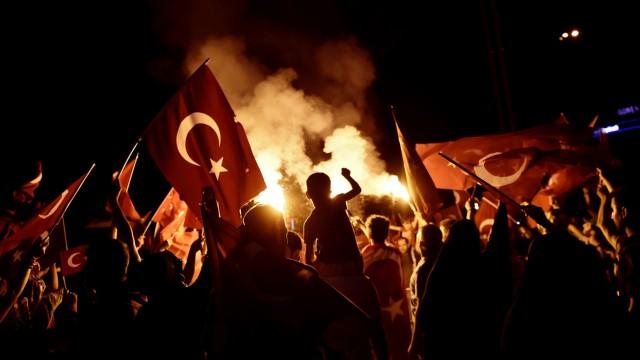 Militärputsch in der Türkei Türkische Chronik (X)