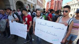 Flüchtlings-Demonstration nach Attacke in Würzburg