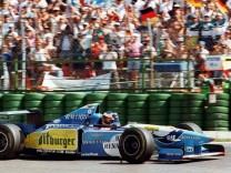 Schumacher siegt als erster Deutscher in Hockenheim