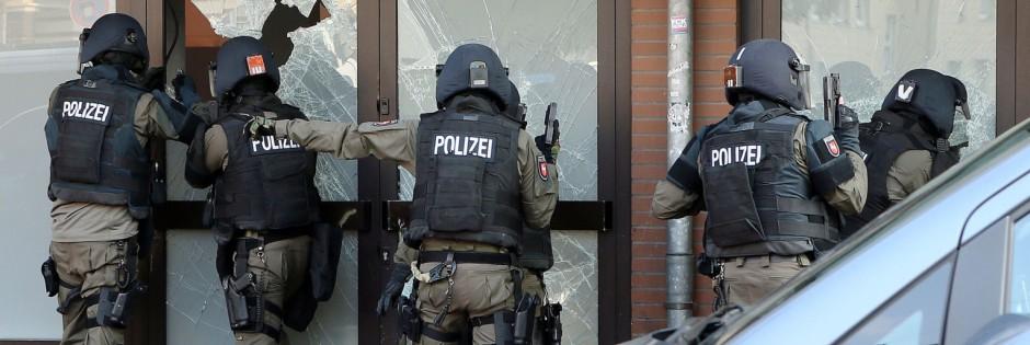 Festnahmen bei Razzien in Norddeutschland (Archivbild) (Foto: dpa)