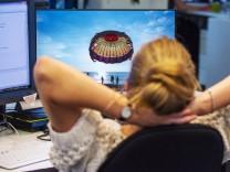 Mailflut statt Schwimmbecken: Nach dem Urlaub in den Job starten