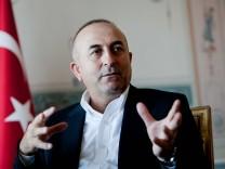 Mevlüt Cavusoglu Lisbon 26 07 2015 Interview with Minister of Foreign Affairs of Turkey Mevlüt Ca