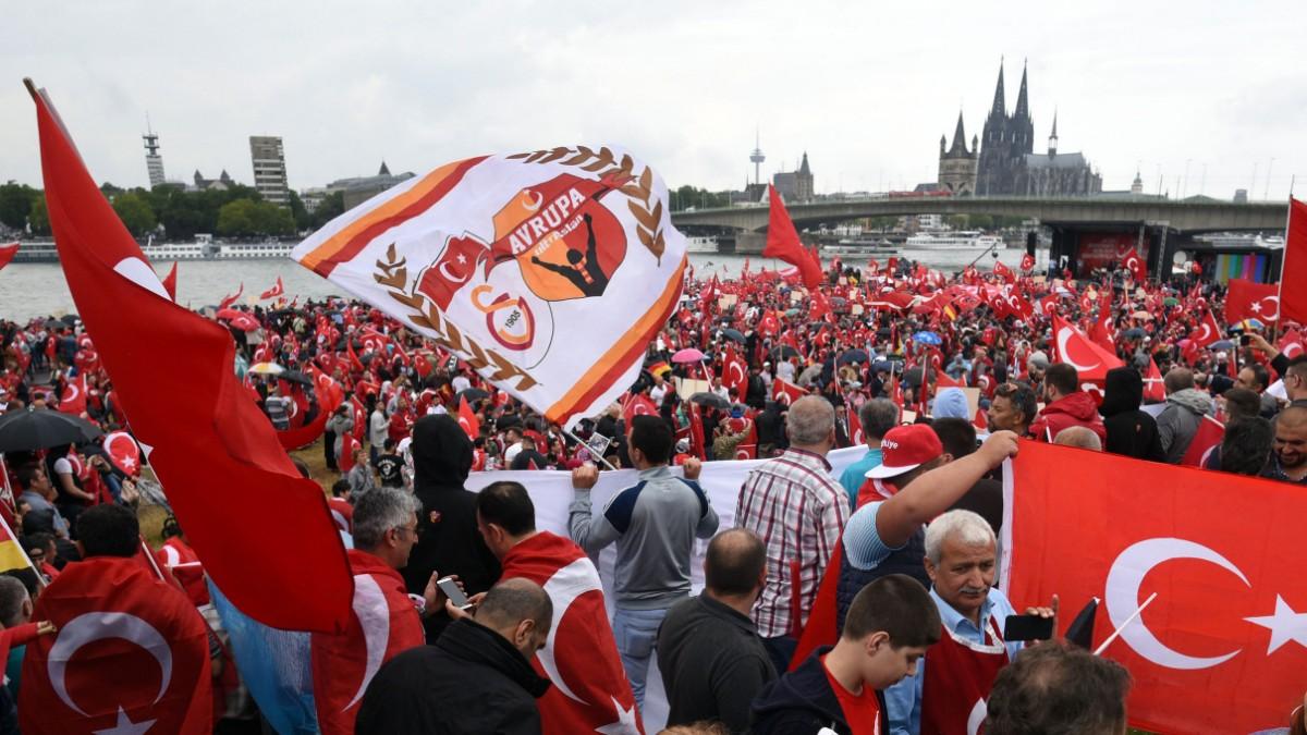 Deutschtürken: Das Vakuum, das Erdoğan zu füllen weiß