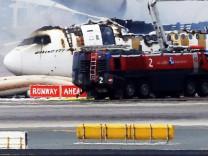 Plane crash landed in Dubai airport