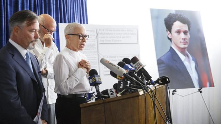 Actor Anton Yelchin's parents sue Fiat Chrysler