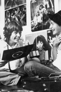 Jugendliche in ihrem Zimmer, 1980