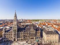 Germany Munich view to new city hall at Marienplatz PUBLICATIONxINxGERxSUIxAUTxHUNxONLY WDF003647