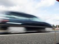 Neues digitales Geschwindigkeitsmessgerät der Polizei