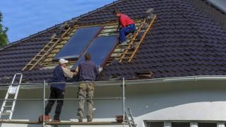Thermische Solaranlagen DEU Brandenburg Cottbus Demontage und Erneuerung von Flachkollektoren eine