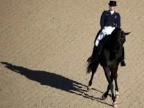 Equestrian - Dressage Team Grand Prix Day 2