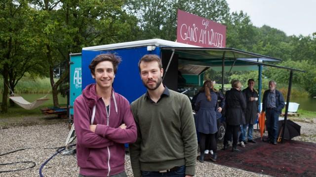 Neues Cafe am Mollsee im Westpark, Gans am Wasser