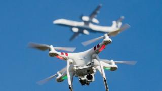 Drohnen und Flugzeuge