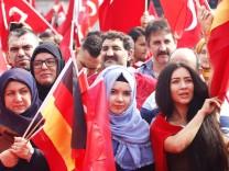 Erdogan Großkundgebung anlässlich des gescheiterten Putschversuchs in der Türkei mit ca 20 000 Erdo