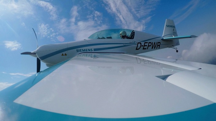 Erstflug mit Weltrekord-Motor / Maiden flight with a record-setting motor