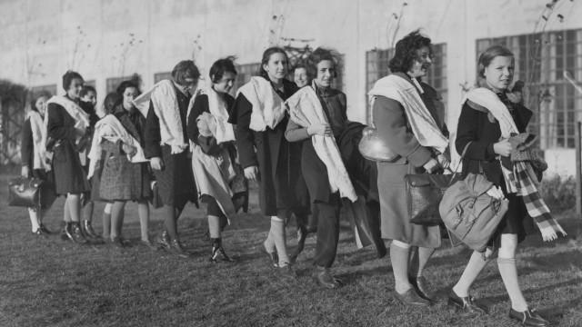 Deutsche jüdische Kinder nach ihrer Ankunft in Großbritannien, 1938