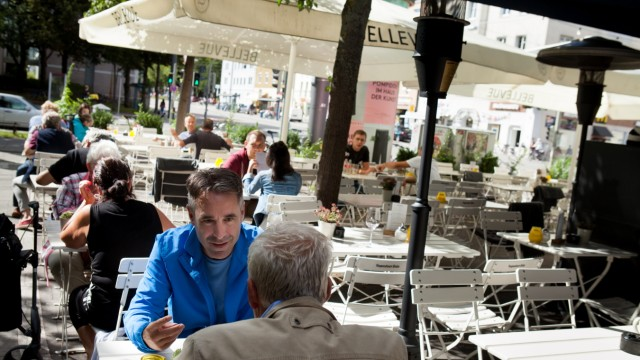 Cafe Bellevue, (ehemaliges Cafe am Nordbad). Happy Hour, Bar Serie