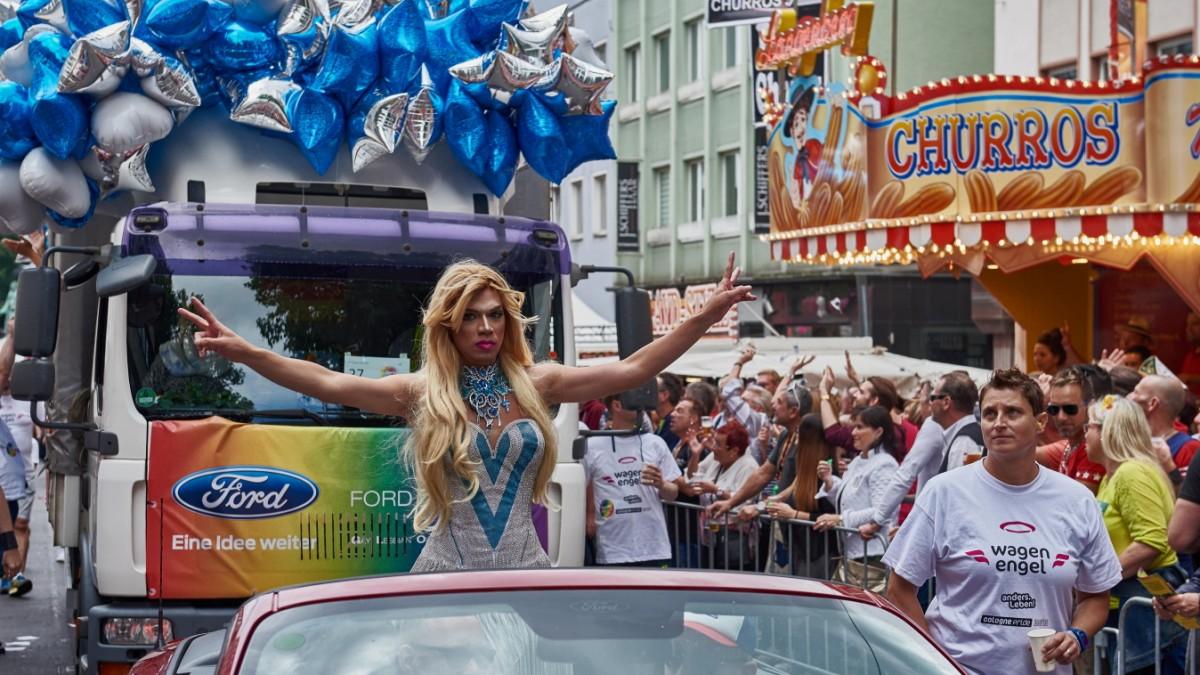 Betriebsausflug zur Schwulenparade